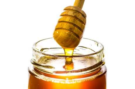 Honning og melk mot halsbetennelsen