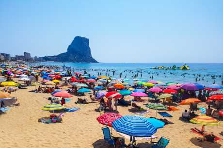 Solbading på strand