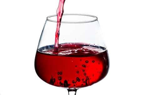 Fjerne rødvin fra sofa