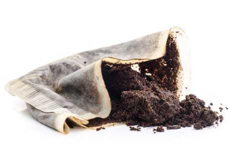 Kaffegrut mot tørr hud